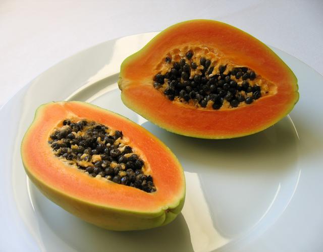 Benefícios e propriedades do mamão papaia