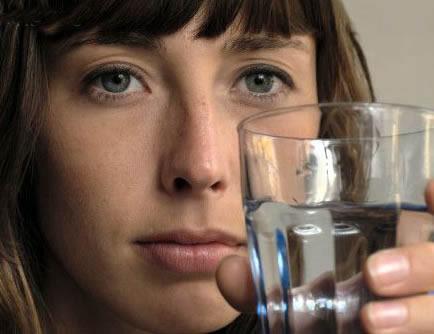 Benefícios de beber água para saúde