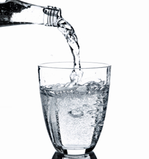 Beber água, a base para uma boa saúde